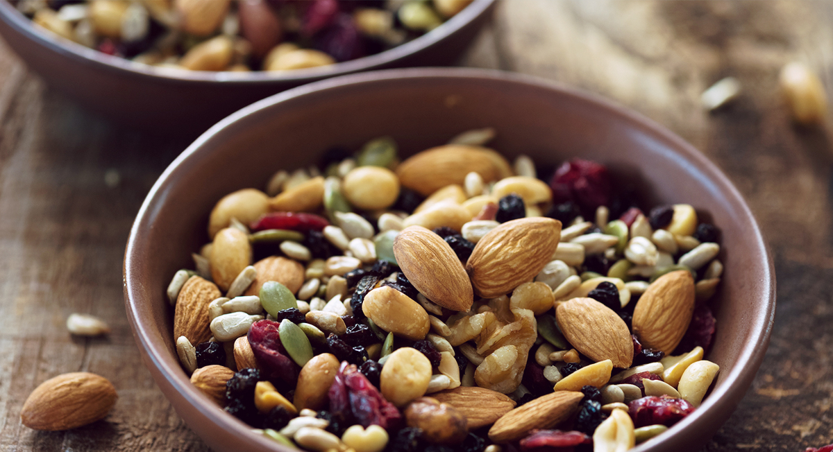 12 Healthy On-The-Go Paleo Snacks