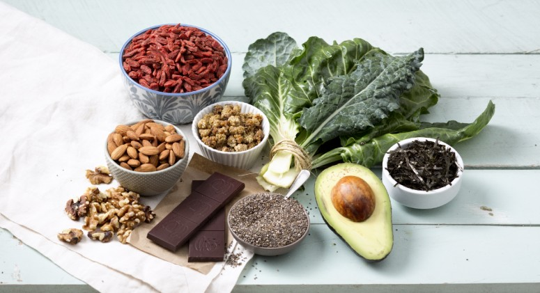 10 Beauty Foods For Glowing Skin and Shiny Hair