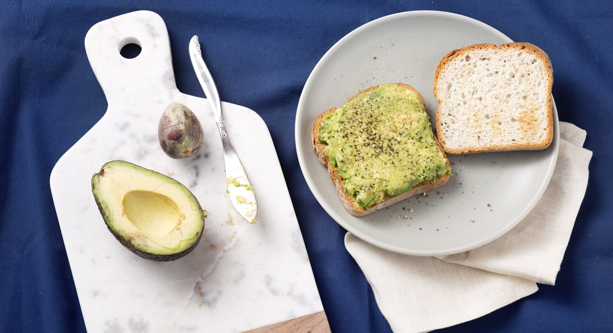 8 Quick Swaps To Healthify Your Breakfast and Lunch