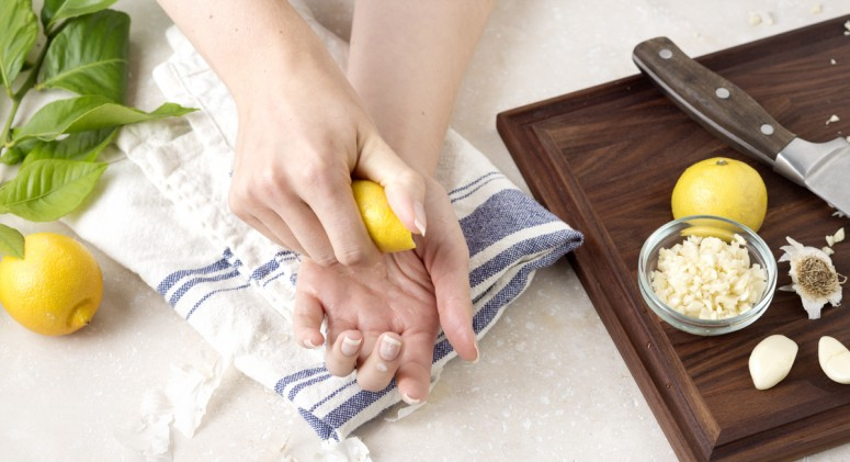 Tip Of The Week: Getting Rid Of That Garlic Smell