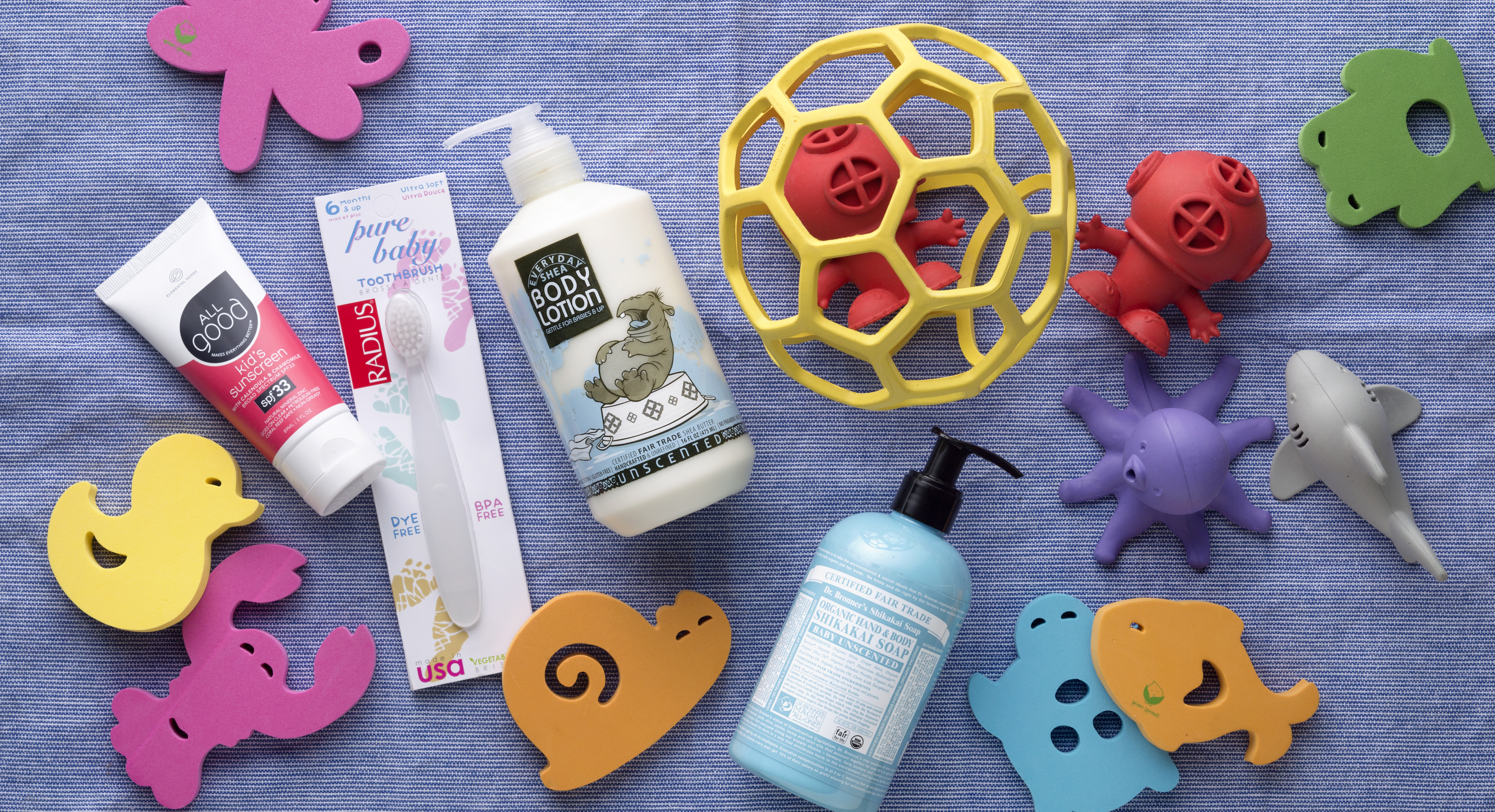 Squeaky Clean and Smiling: 7 Essentials for Baby's Bath Time