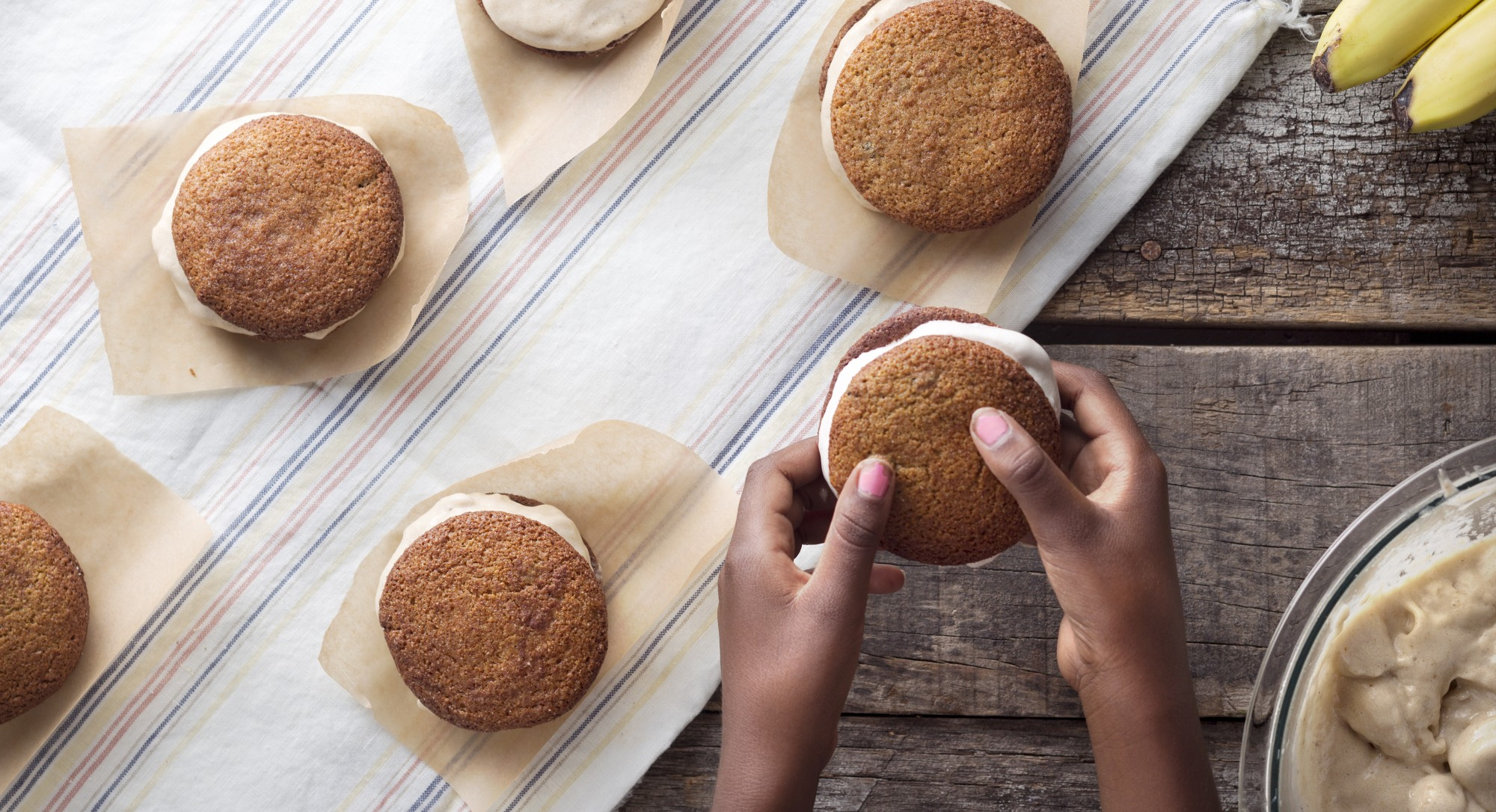 Snickerdoodle Ice Cream Sandwiches Will Make Your Summer Even Sweeter