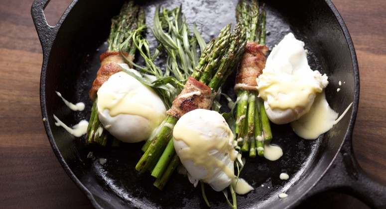 Say Hello to Your New Favorite Brunch: Asparagus Eggs Benedict