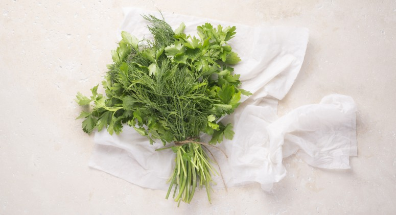 Tip of the Week: One Simple Step To Keep Your Greens Fresh