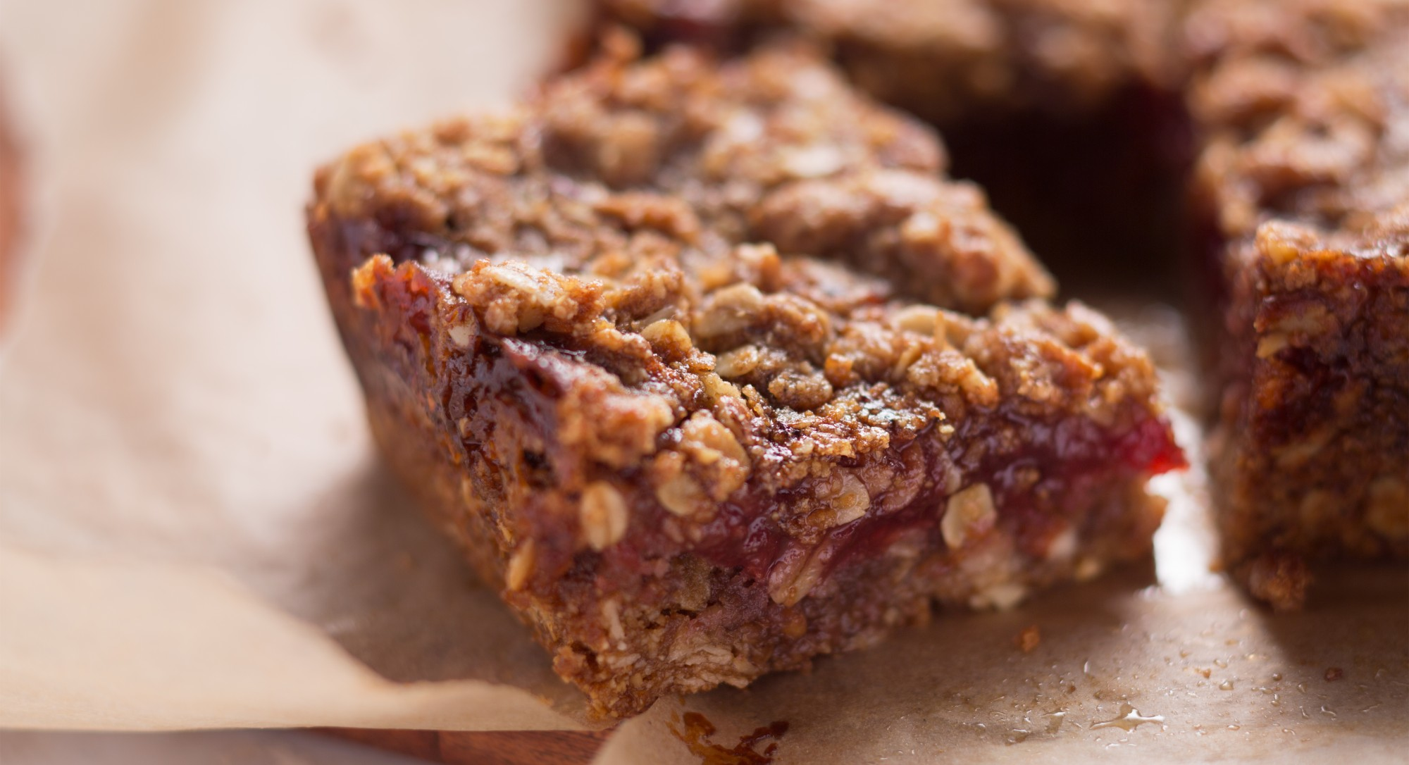 Treat Yourself To These Warm Oat Bars With Raspberry Jam