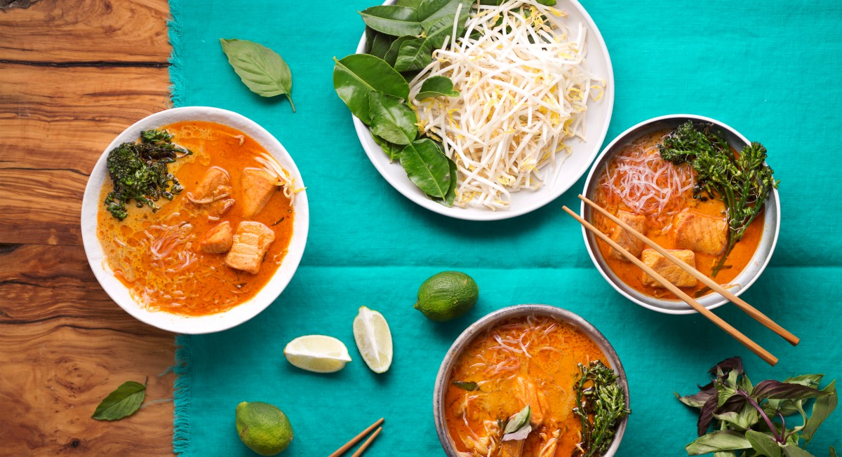 Thai red curry salmon bowl