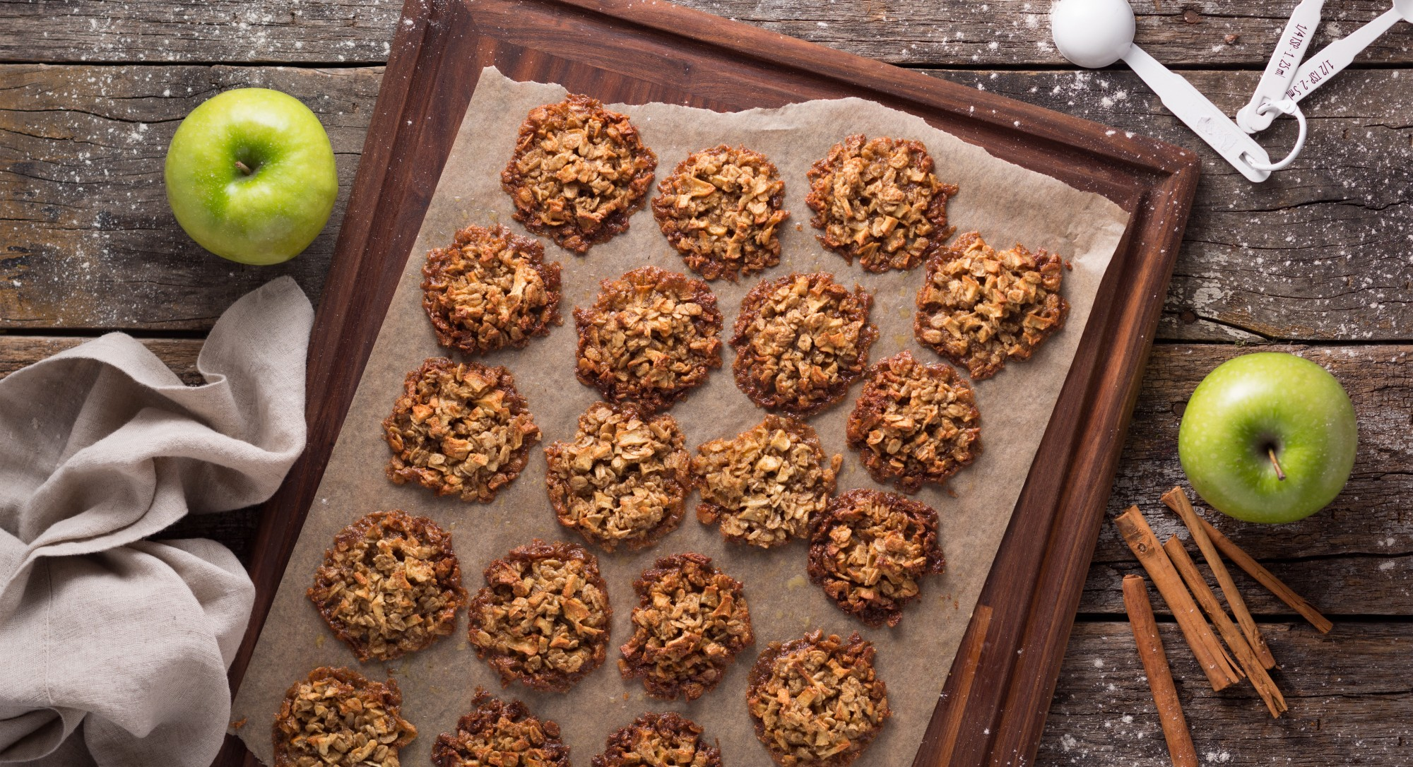 Celebrate The Beginning of Fall With These Spiced Apple Oat Cookies