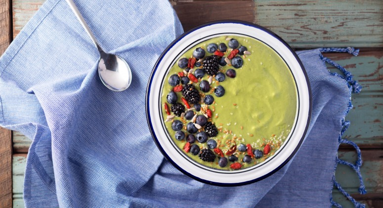 A 5-Minute, Supermodel-Approved Green Smoothie Bowl