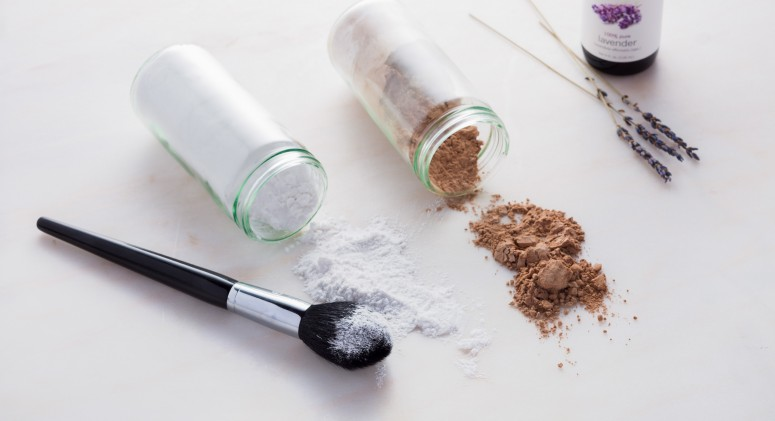 A Super Simple DIY Dry Shampoo, Sans Aerosol Can