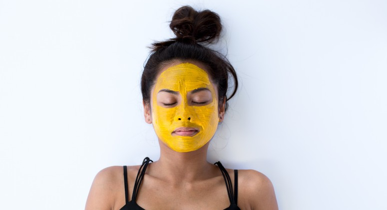 This Sunny Yellow Face Mask Harnesses a Seriously Powerful Ingredient