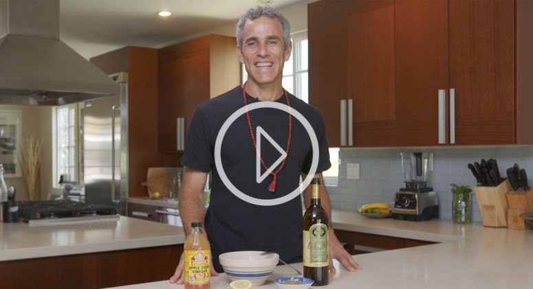 WATCH: Expert Yoga Teacher Tommy Rosen Whips Up The Best Dressing Ever