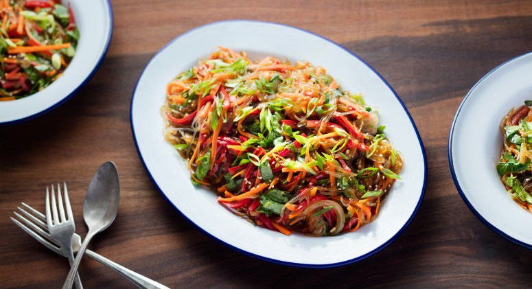 This Low-Carb Kelp Noodle Stir Fry Will Please Any Palate