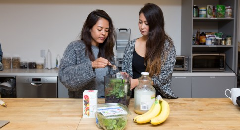 Thrive Tries It: An Easy, Effective Smoothie and Supplement Cleanse