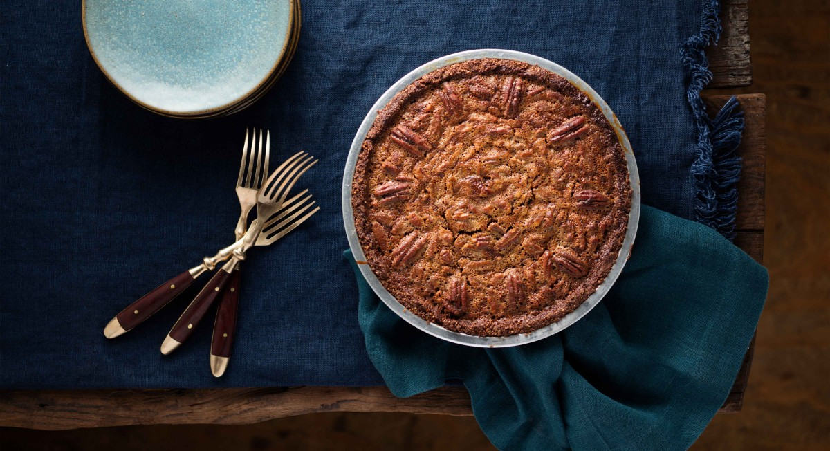 Paleo Pecan Pie with Chocolate Crust