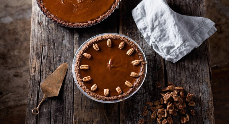 This Paleo Maple Pumpkin Pie With Pecans Might Be The Ultimate Dessert