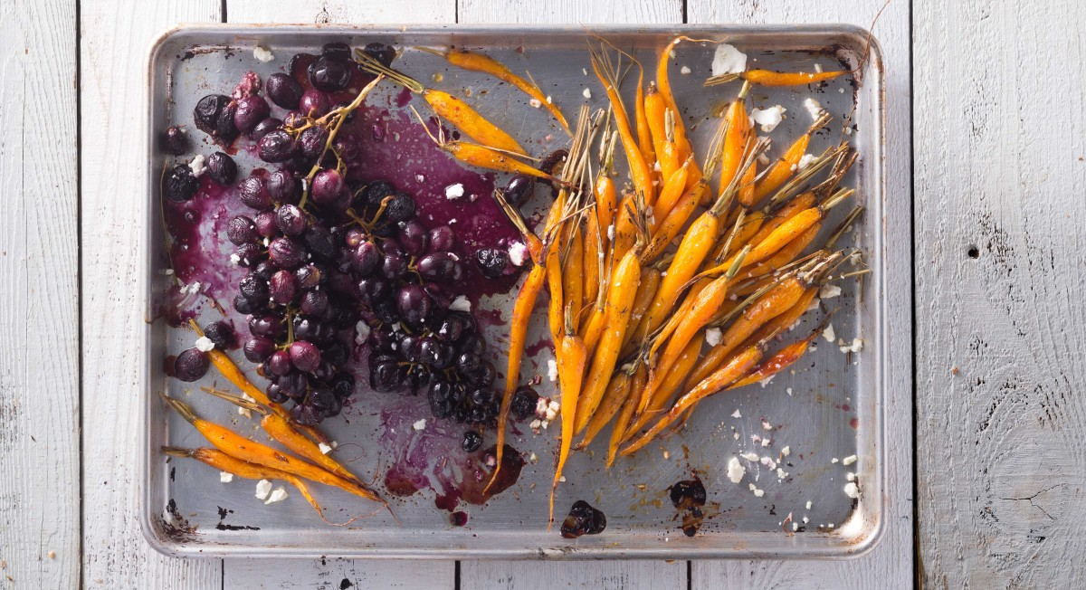 Roasted carrots and grapes