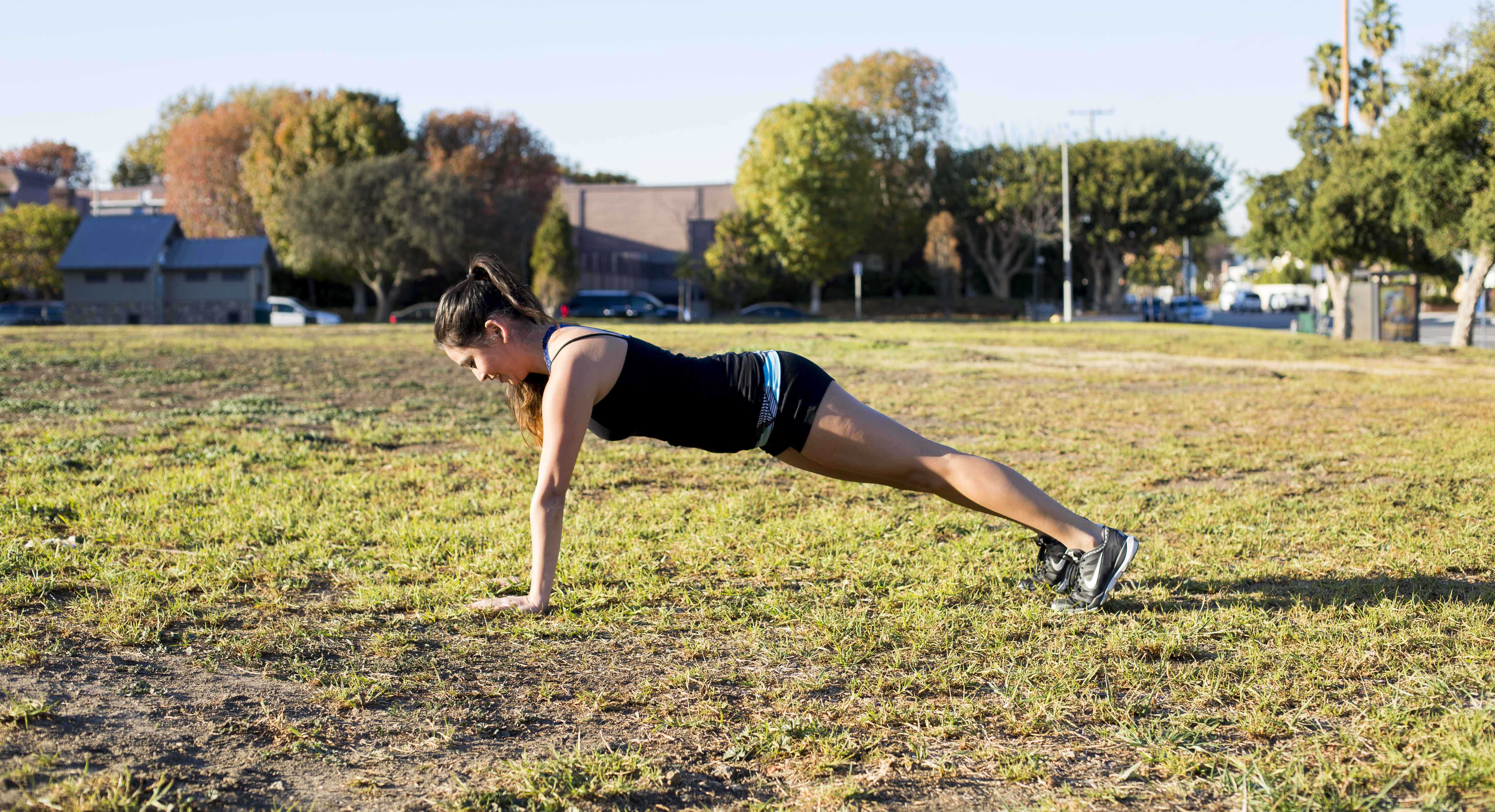 Ho, Ho, Healthy: This 10 Minute, Full-Body Workout Fits Any Holiday Schedule