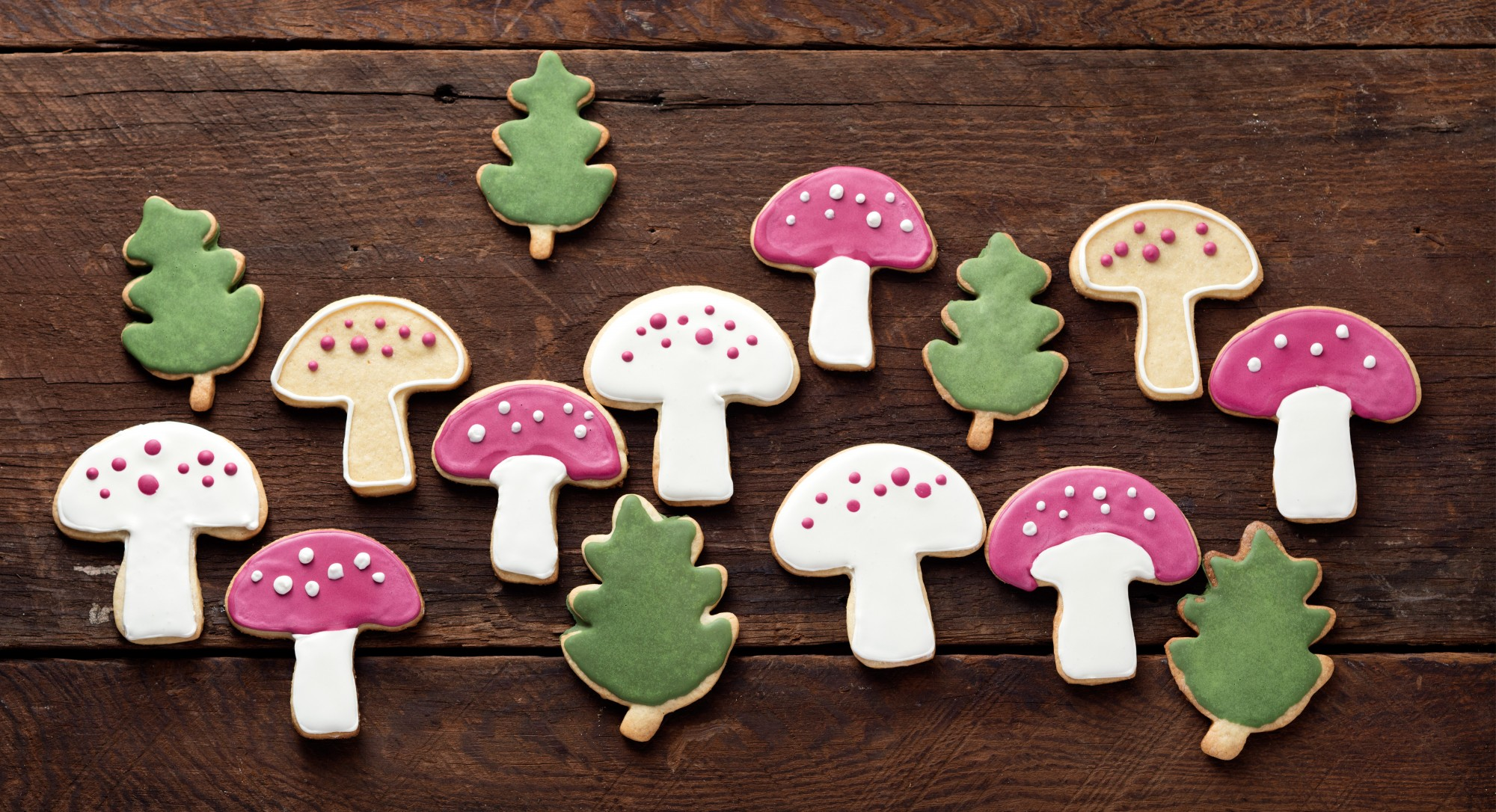 Woodland-Inspired Sugar Cookies to Make Any Holiday Tray More Eye-Catching