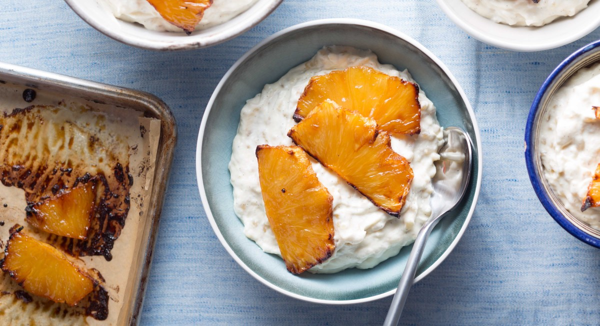 Brown rice pudding with caramelized pineapple