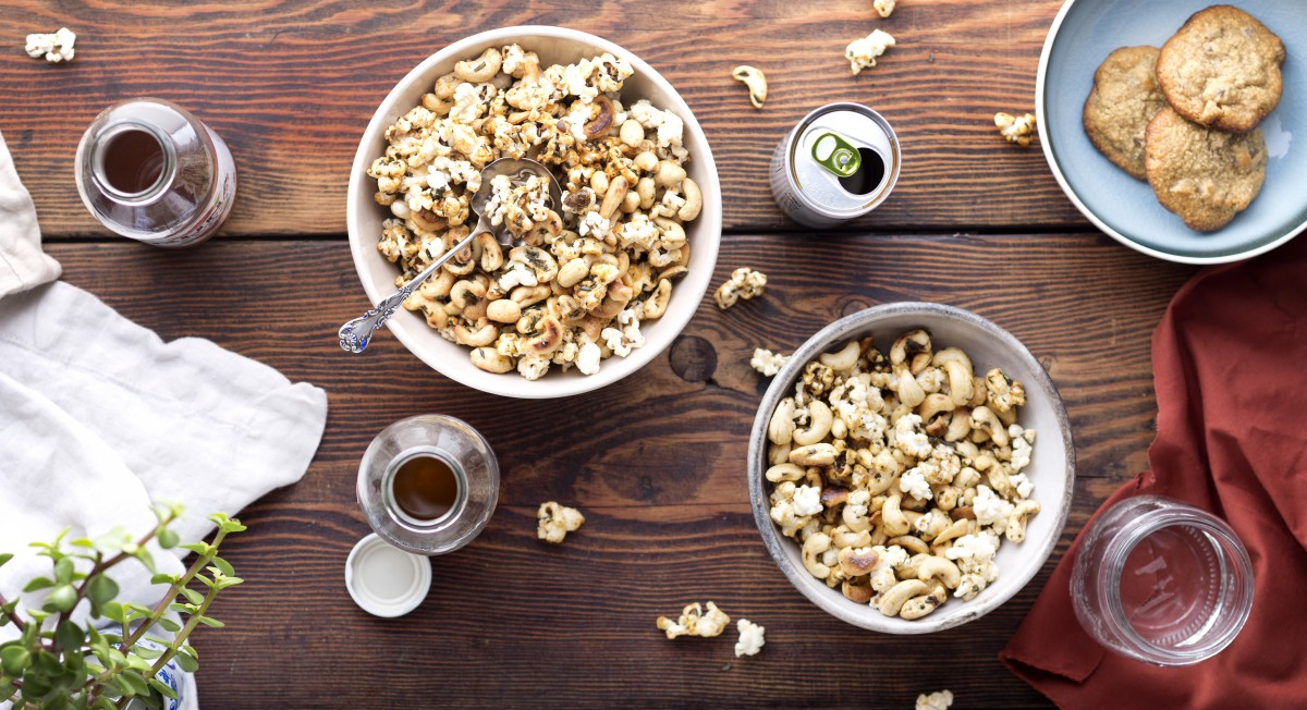 Rosemary Popcorn Party Mix