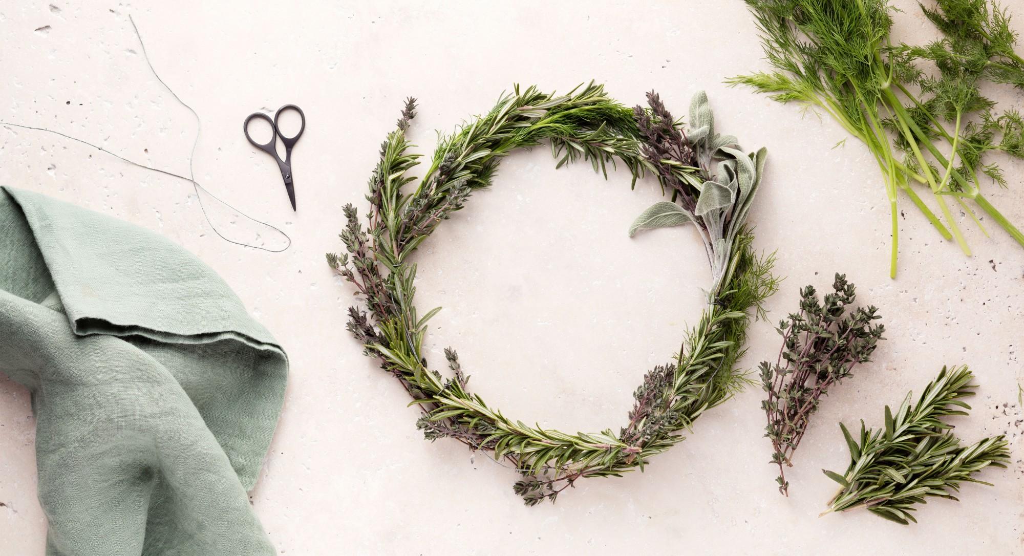 Tip of the Week: This DIY Herb Wreath Smells as Good as It Looks