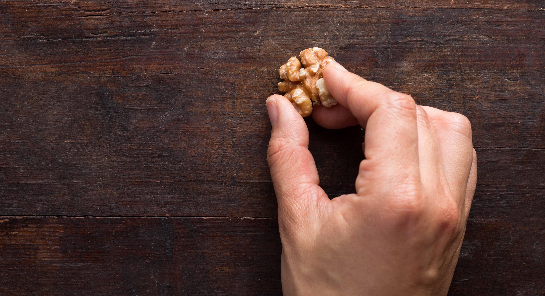 Using Walnut To Fix Wood Scratches