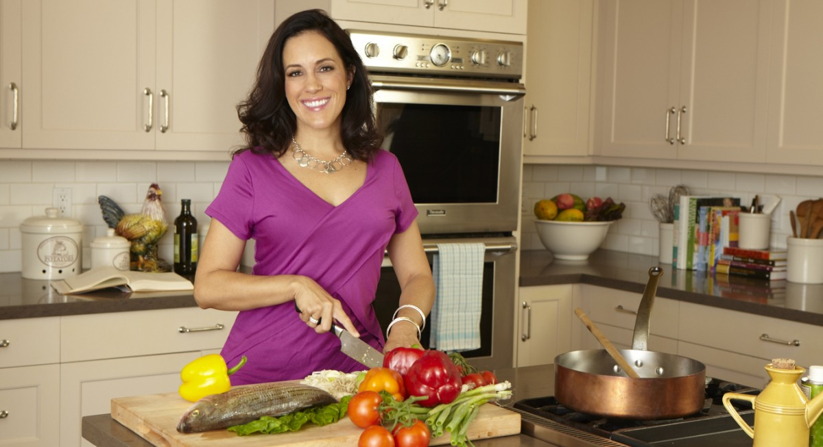 """Why This Celebrity Nutritionist Calls Herself a """"Body Whisperer"""""""