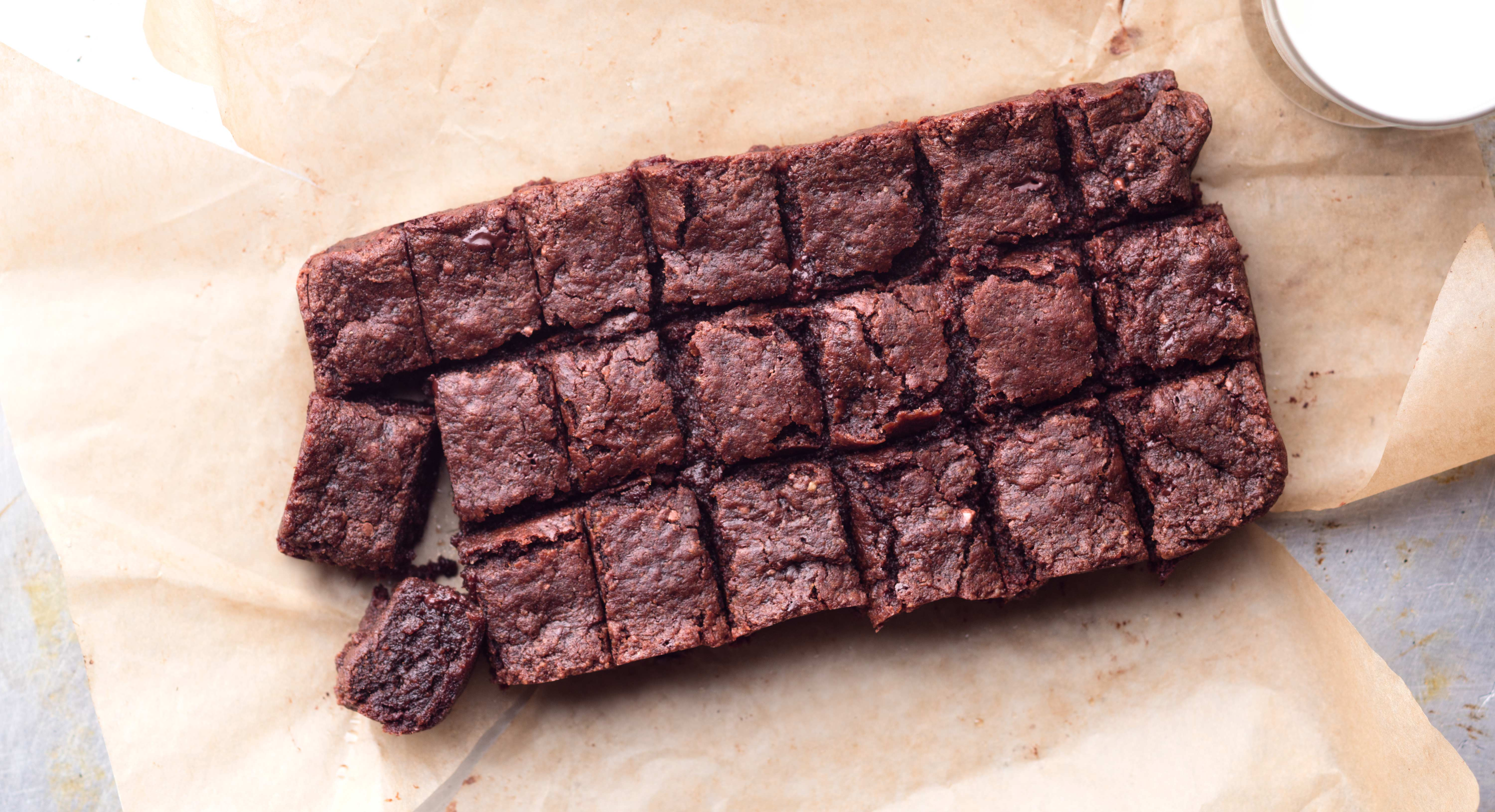 7 instagram worthy healthy dessert recipes thrive market double chocolate brownie bites forumfinder Image collections