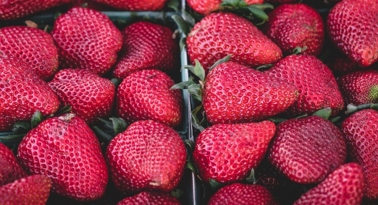 Why You Should Always, Always, Always Buy Organic Strawberries