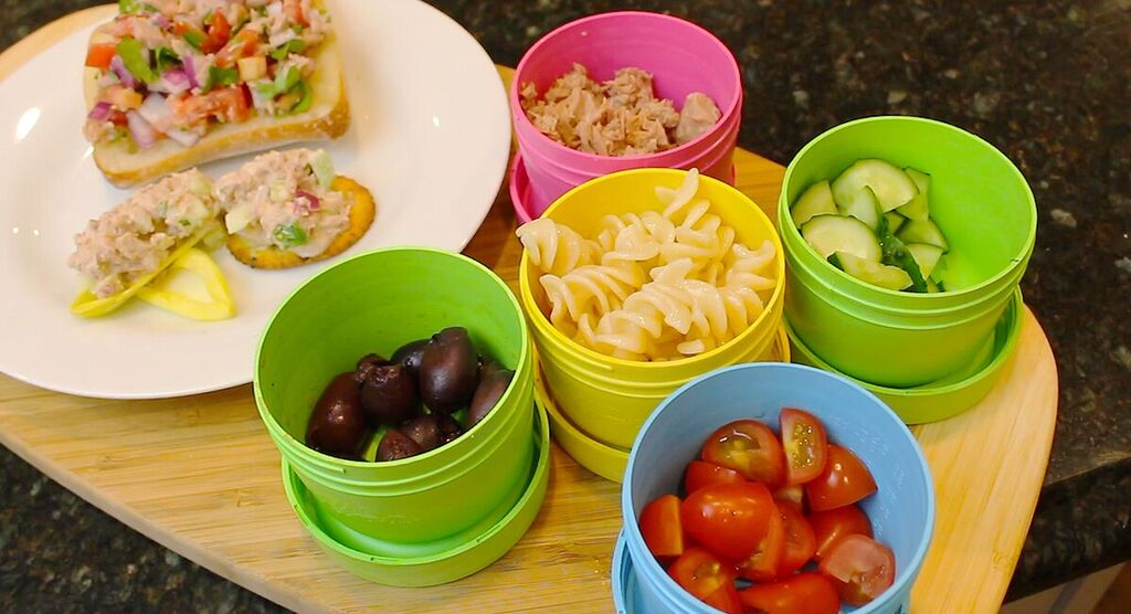 Add canned tuna and your favorite coleslaw dressing. Throw in some chopped bell peppers and scallion greens, too. Greek Tuna Salad: Toss tuna with chopped cucumbers, tomatoes, feta and olives. Dress with lemon juice and olive oil. Quinoa Tabouli with Tuna: Make a tabouli using quinoa; add tuna and dress with your favorite dressing.