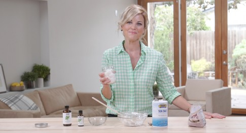 How to Make an Inexpensive, Safe Toothpaste With Less Than 4 Ingredients