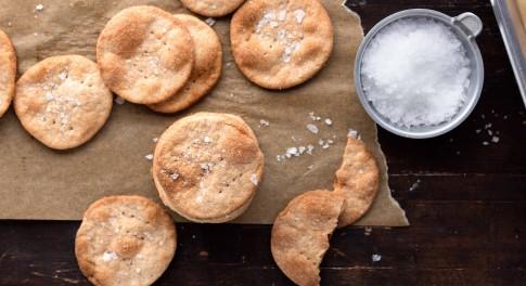 Yogurt-Spelt Crackers Recipe