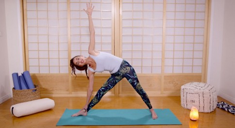 Ready, Set, Yoga: A Quick Yoga Flow to Banish Bloat and Improve Digestion
