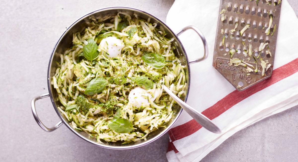 Zucchini and mozzarella salad
