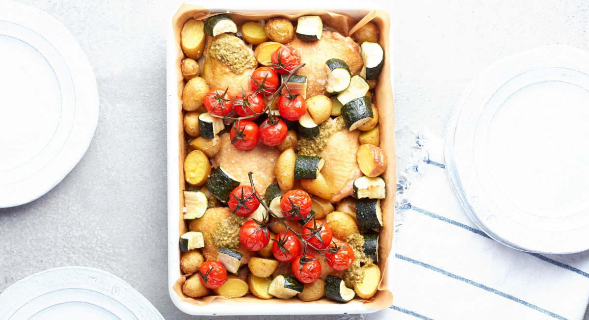 Baked chicken with summer vegetables