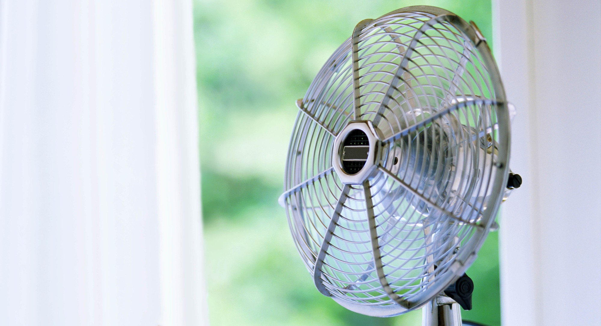 How To Cool A Room without Air Conditioning