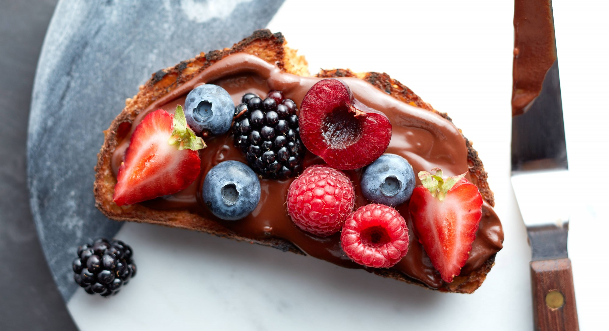 Grilled Chocolate-Hazelnut Berry Toast Recipe