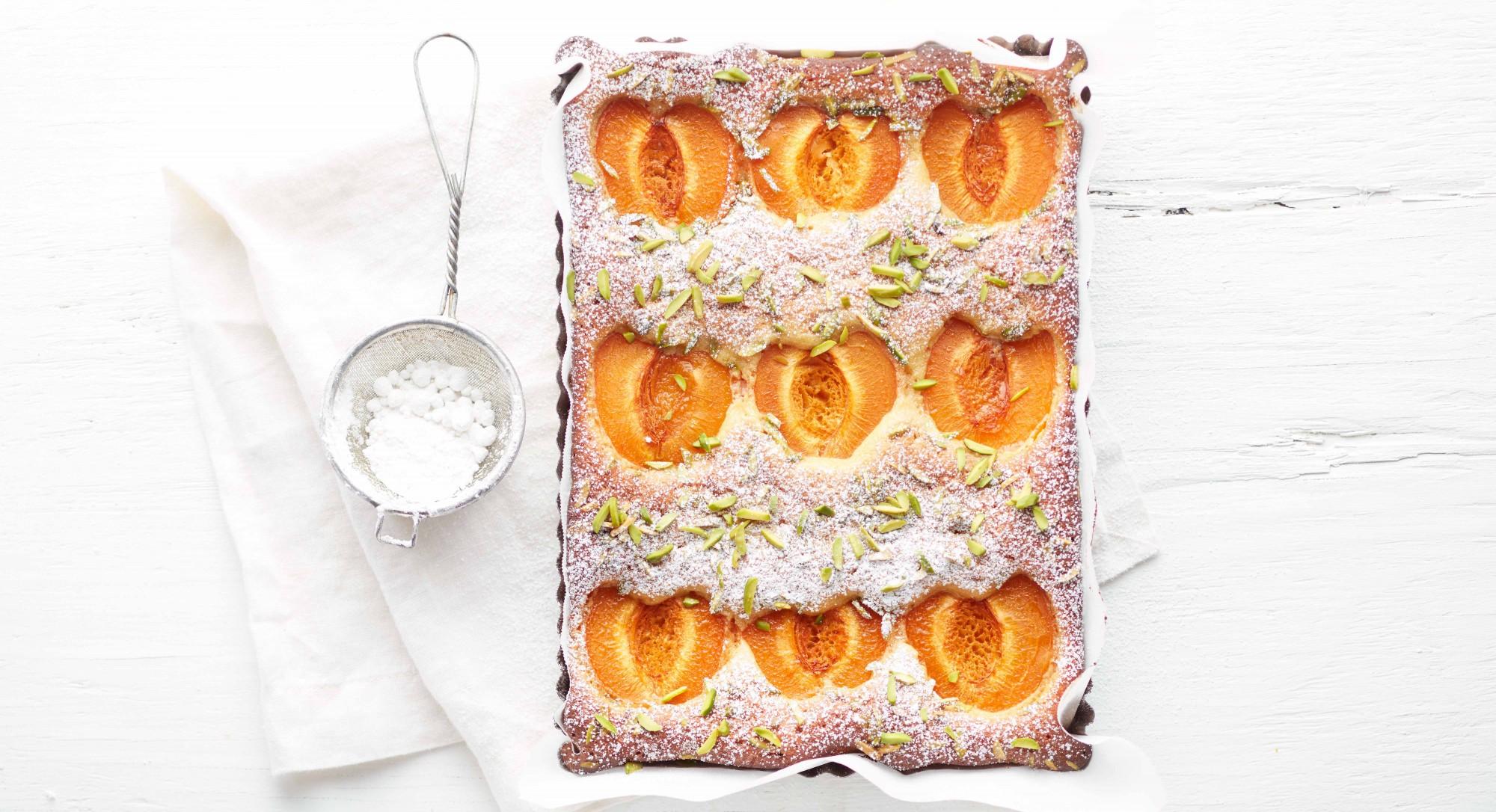 Flourless Apricot-Almond Cake Recipe