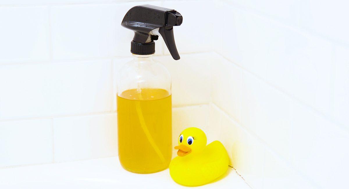 DIY Bathtub Cleaner