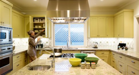 8 Feng Shui Tips to Balance the Energy in Your Kitchen