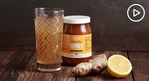 From Paleo Ginger Ale to DIY Body Scrubs, 7 Raw Honey Recipes We Love