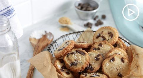 Celiac-Safe Chocolate Chunk Shortbread Cookies Recipe