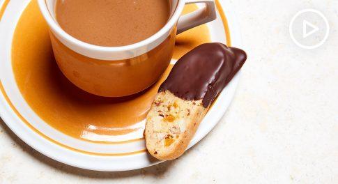 Vegan Almond and Apricot Biscotti Recipe