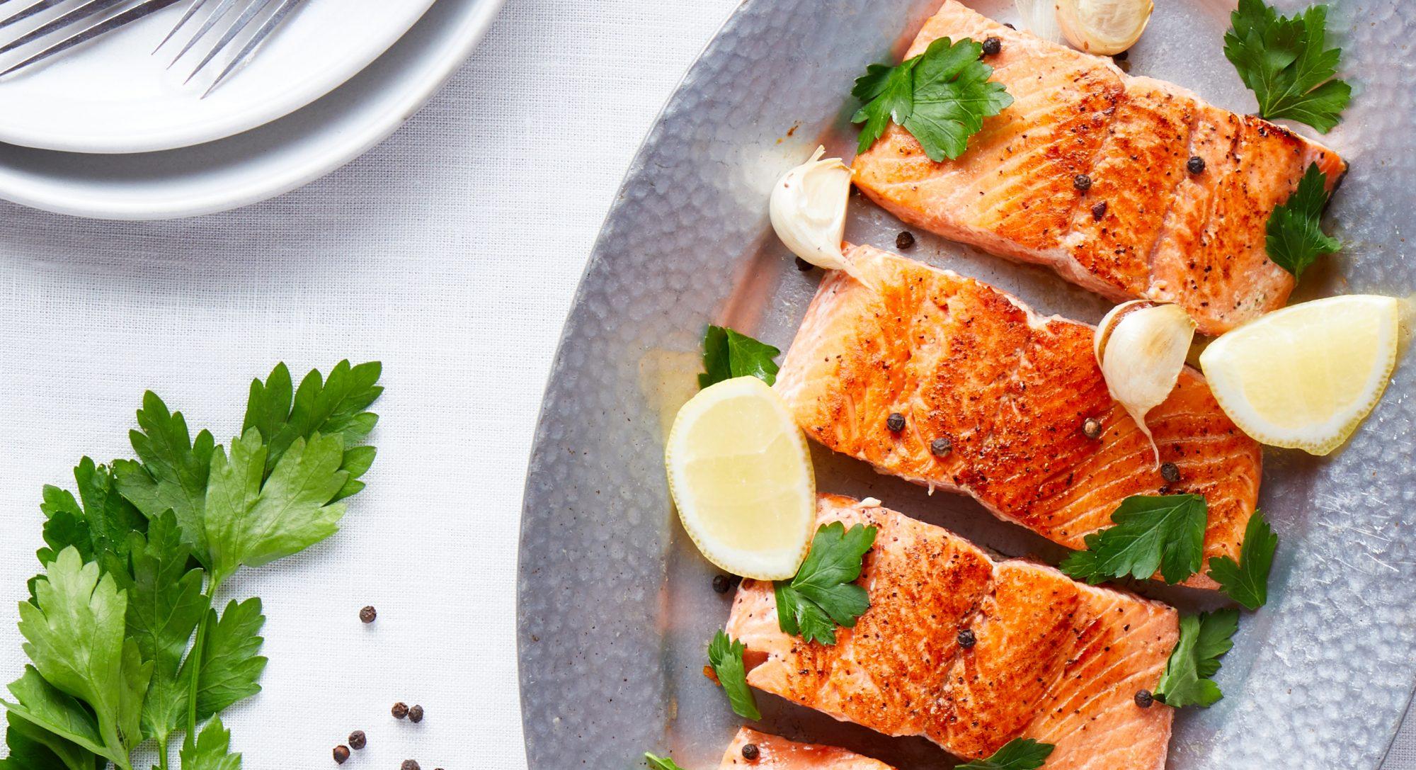 Sautéed Salmon With Garlic-Lemon Sauce Recipe