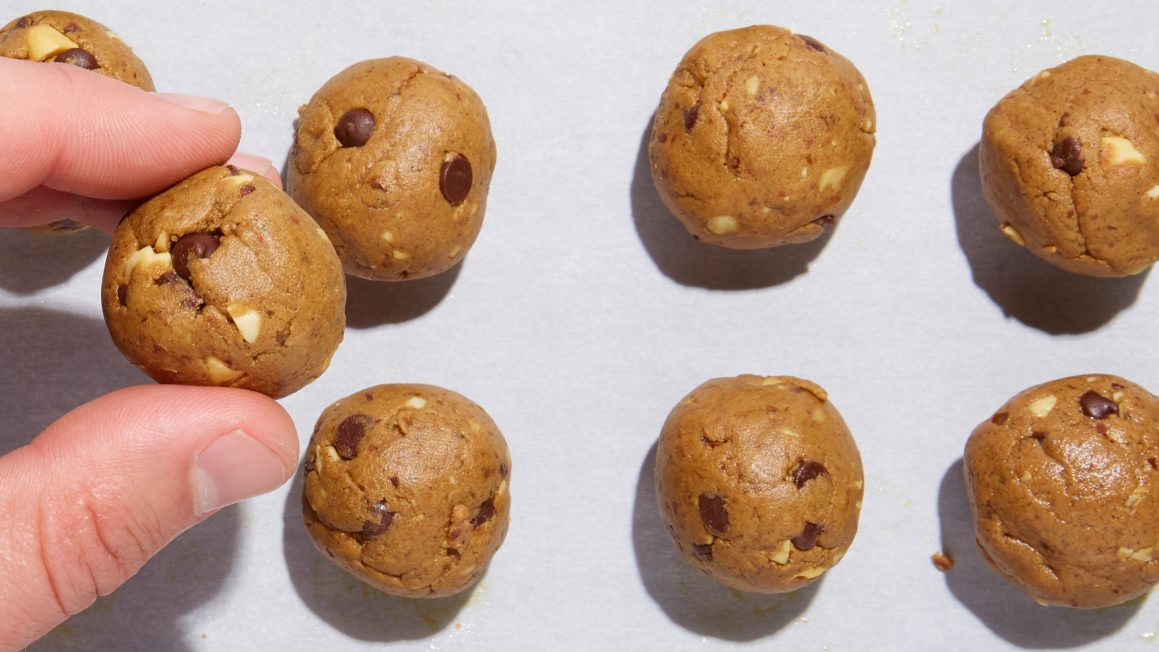 Chocolate Peanut Butter Protein Balls