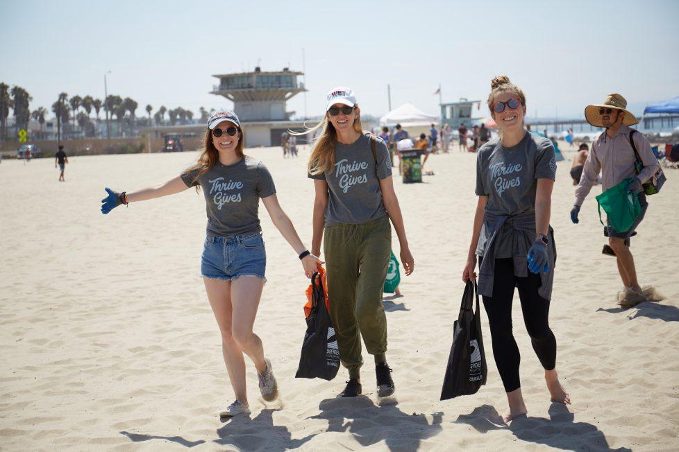 Thrive Surfrider Beach Cleanup group