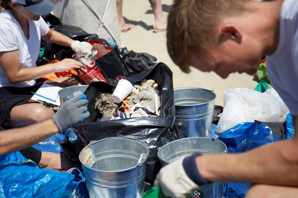 Thrive Market & Surfrider Foundation Join Forces to Clean Up the Beach